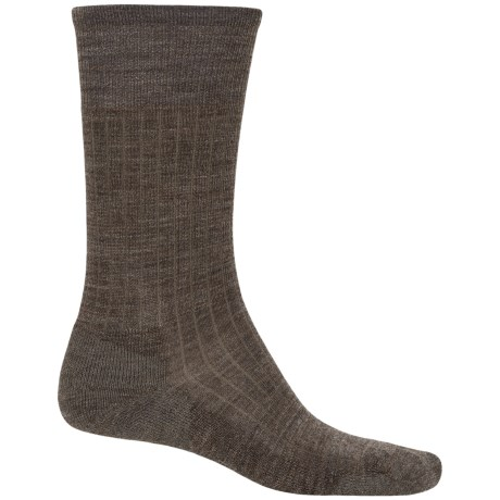 SmartWool New Classic Rib Casual Socks - Crew (For Men) in Taupe