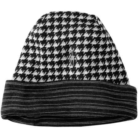 SmartWool NTS 250 Reversible Pattern Beanie - Merino Wool (For Men and Women) in Black/Light Gray Heather - Closeouts