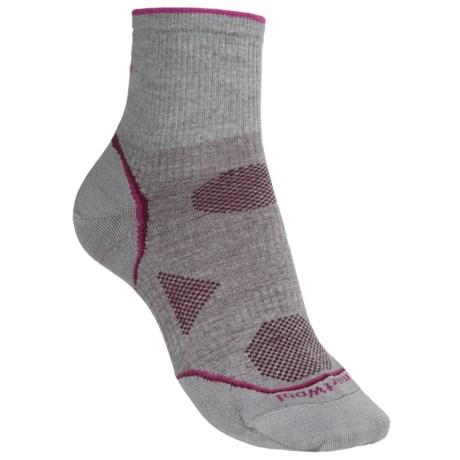 SmartWool PhD V2 Outdoor Ultralight Mini Socks - Merino Wool, Quarter Crew (For Women) in Light Grey