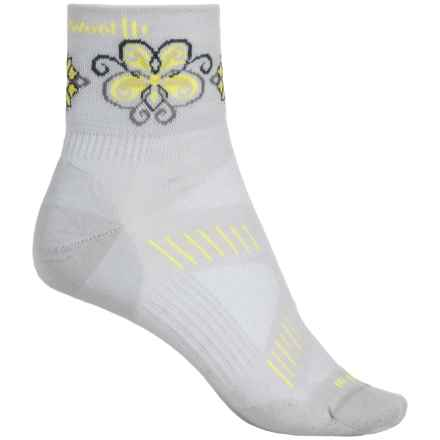 SmartWool PhD V2 Ultralght Mini Cycling Socks - Merino Wool, Quarter Crew (For Women) in Silver/Amarillo - 2nds