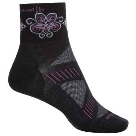 SmartWool PhD V2 Ultralight Mini Cycling Socks - Merino Wool, Quarter Crew (For Women) in Black/Voilet - Closeouts