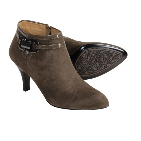 Sofft Belvedere ankle bootie Zippered (For Women) in Taupe Grey Suede