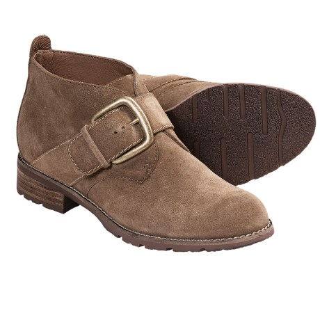 Sofft Boone Chukka Boots (For Women) in Earth Suede