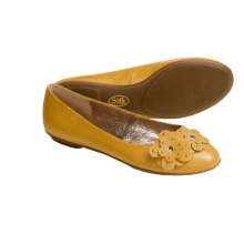 Sofft Botija Shoes - Flats, Leather (For Women) in Ochre Yellow - Closeouts