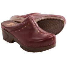Sofft Cait Clogs - Leather (For Women) in Fire Sky - Closeouts
