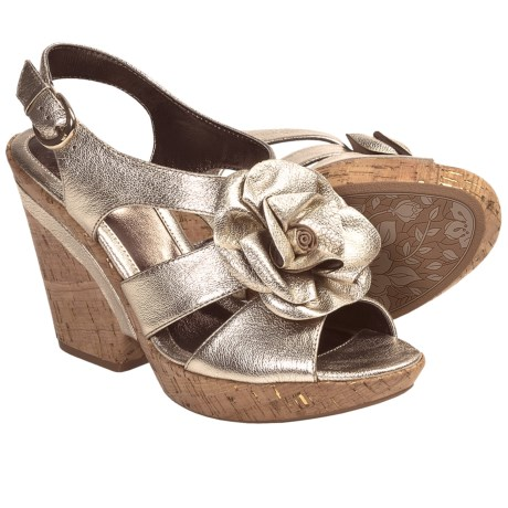 Sofft Odelle Wedge Sandals (For Women) in Gold