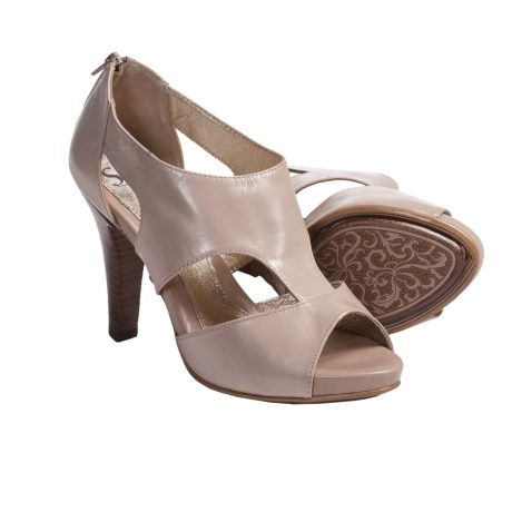 Sofft Pavia Pumps - Leather, Peep Toe (For Women) in Egg Shell