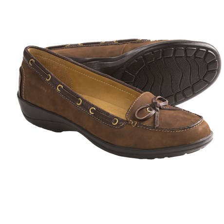 Softspots Ally Shoes - Leather, Slip-Ons (For Women) in Mocha