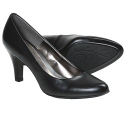 Softspots Chelle Pumps (For Women) in Black