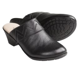 SoftSpots Daba Clogs - Leather, Slip-Ons (For Women) in Black