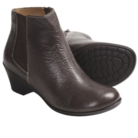 SoftSpots Dionne Ankle Boots (For Women) in Coffee Leather