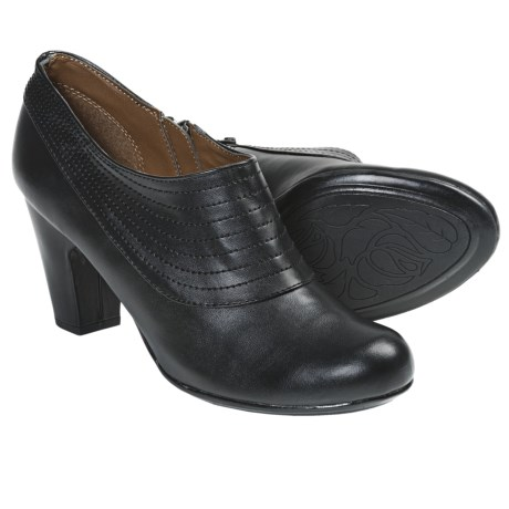 Softspots Kiera Shoes (For Women) in Black