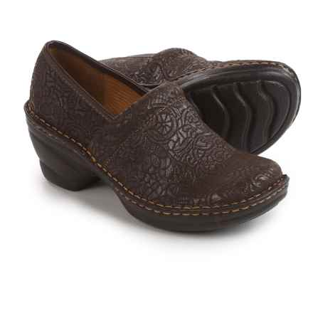 Softspots Larissa Clogs (For Women) in Coffee Suede - Closeouts