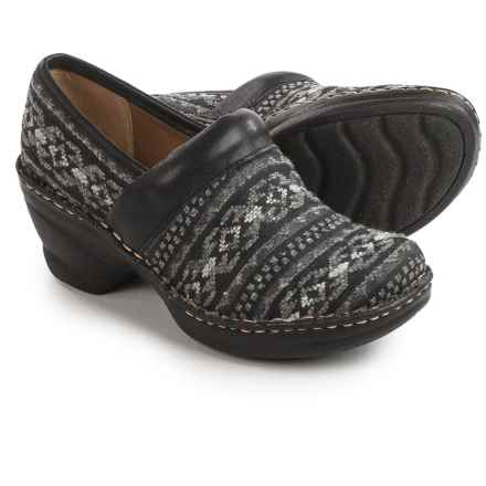 Softspots Larissa II Clogs (For Women) in Black/Black - Closeouts