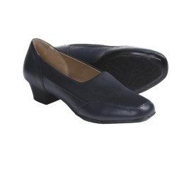 Softspots Santina Shoes - Leather (For Women) in Navy