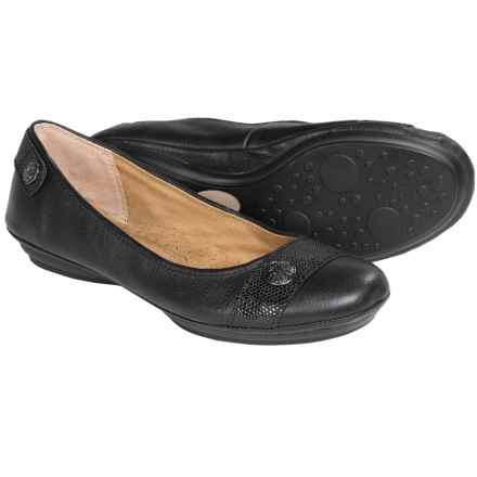 Softspots Satara Leather Flats (For Women) in Black - Closeouts