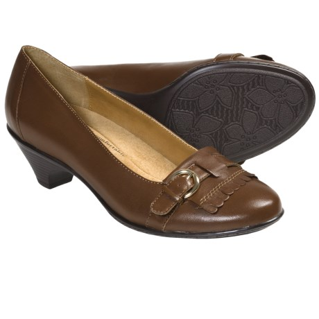 Softspots Solstice Pumps - Leather, Kiltie Accent (For Women) in Black