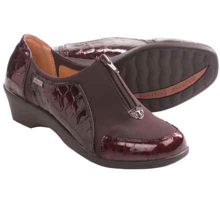 Softspots Sparks Shoes - Patent Leather (For Women) in Dark Brown Croco Patent - Closeouts