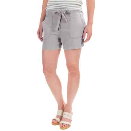 St. Tropez West Drawstring Shorts (For Women) in Light Grey - Closeouts