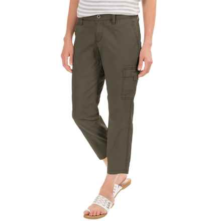 Stretch Cotton Cargo Capris - Mid Rise (For Women) in Olive - 2nds