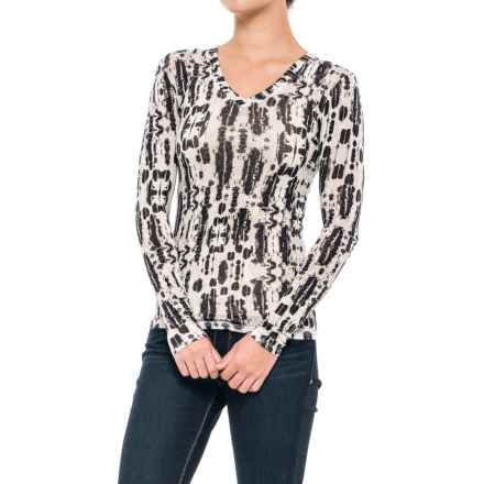 Stretch Rayon Printed V-Neck Shirt - Long Sleeve (For Women) in Black/Greyscale - 2nds