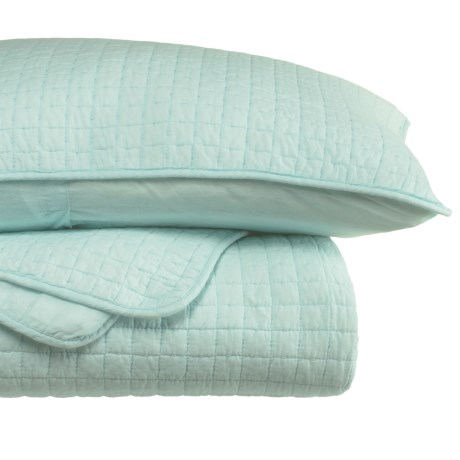 Tahari Fort Quilt and Pillow Sham Set - King in Pastel Blue