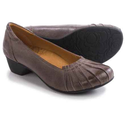 Taos Footwear Calypso Pumps - Leather (For Women) in Grey - Closeouts