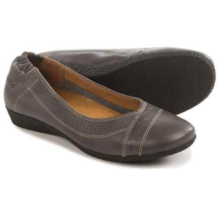 Taos Footwear Sleek Flats - Leather (For Women) in Grey - Closeouts