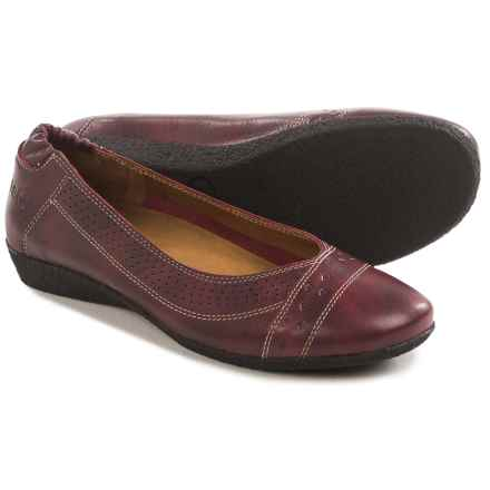 Taos Footwear Sleek Flats - Leather (For Women) in Wine - Closeouts