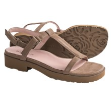 Taryn Rose Trevor Sandals - Leather (For Women) in Wheat Moonlight Leather - Closeouts