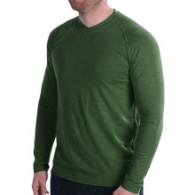 tasc Clubhouse V-Neck T-Shirt - UPF 50+, Long Sleeve (For Men) in Thriv Green - Closeouts