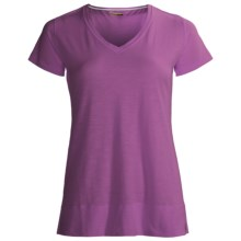 Tasc Oceanside V-Neck Shirt - UPF 50+, Short Sleeve (For Women) in Orchid - Closeouts