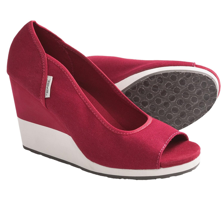 Teva Mush^ Promenade Shoes - Wedge Heel, Peep Toe (For Women) in Red