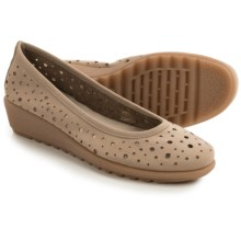 The Flexx Run Perfed Shoes - Nubuck (For Women) in Corda Nubuck - Closeouts