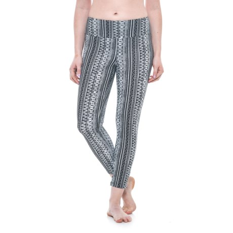 The Girls Tummy Control Vertical Stripe Capris (For Women) in Black Print