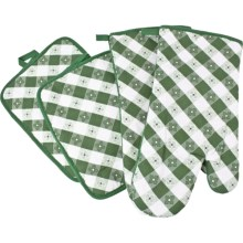 The Great Outdoors Oven Mitt and Pot Holder Set - 4-Piece in Green - Closeouts