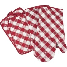 The Great Outdoors Oven Mitt and Pot Holder Set - 4-Piece in Red - Closeouts