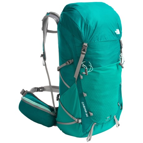 photo: The North Face Women's Casimir 36 overnight pack (2,000 - 2,999 cu in)