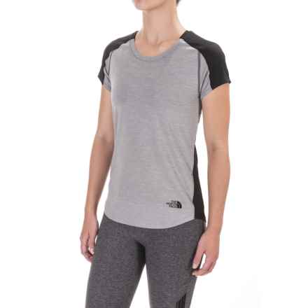 The North Face Dynamix T-Shirt - Short Sleeve (For Women) in Tnf Dark Grey Heather/Asphalt Grey - Closeouts