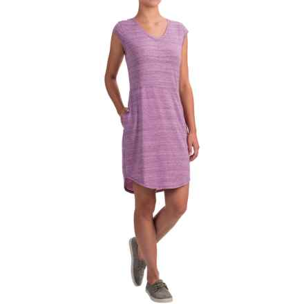 The North Face EZ T-Shirt Dress - V-Neck, Short Sleeve (For Women) in Black Berry Wine Heather - Closeouts