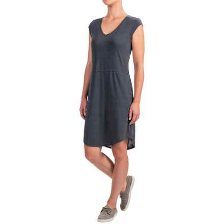 The North Face EZ T-Shirt Dress - V-Neck, Short Sleeve (For Women) in Tnf Dark Grey Heather - Closeouts