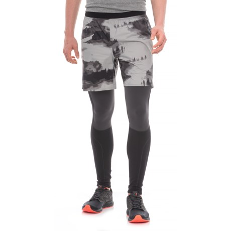 """The North Face Flight Trail Shorts - 7"""" (For Men) in Monument Grey Reflective Fog Print"""