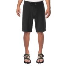 The North Face Kilowatt Shorts (For Men) in Tnf Black - Closeouts