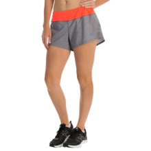 The North Face Ma-X Shorts - Built-In Briefs (For Women) in Sedona Sage Grey Heather/Fiery Coral - Closeouts