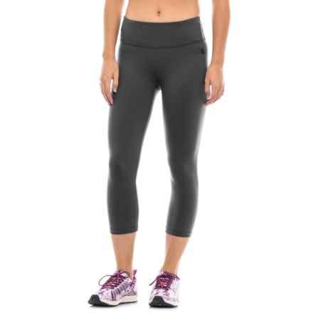 The North Face Motivation Capri Leggings (For Women) in Tnf Black - Closeouts