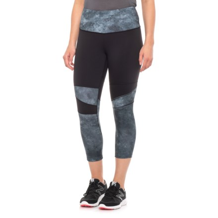 1f90c2235b90d The North Face Motivation High Rise Printed Crop Leggings (For Women) in  Tnf Black