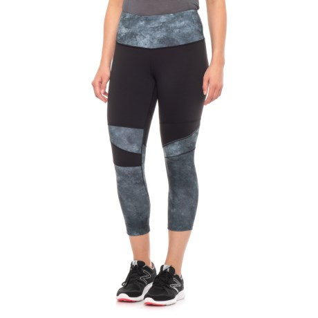 5127b50c1f0831 The North Face Motivation High Rise Printed Crop Leggings (For Women) in Tnf  Black