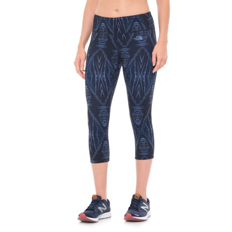 The North Face Motivation Printed Capris (For Women) in Cosmic Blue Summerdaze Print