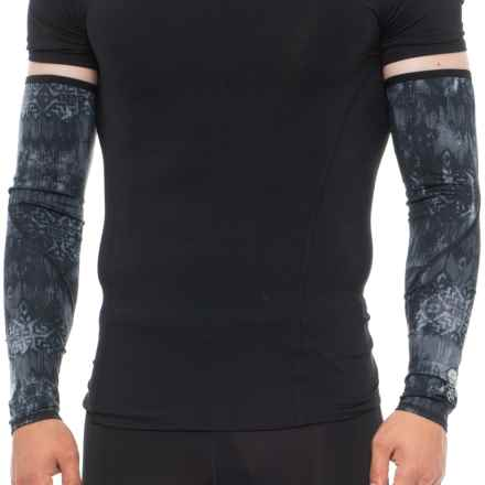 The North Face No-Hands Arm Warmers - UPF 50 - 2-Pack (For Men) in Tnf Black/Reflective Print - Closeouts