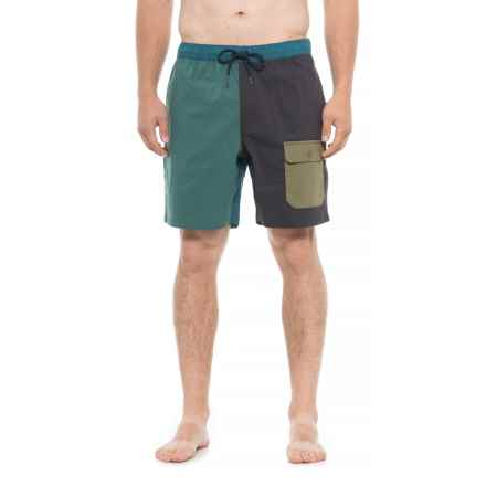 The North Face Seaglass FlashDry® Shorts (For Men) in Jasper Green/Asphalt Grey - Closeouts